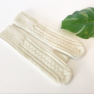 Gap Cream Wool Cable Knit Long Mittens